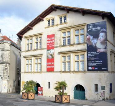 (Français) Pottoroak chante au Musée Basque de Bayonne